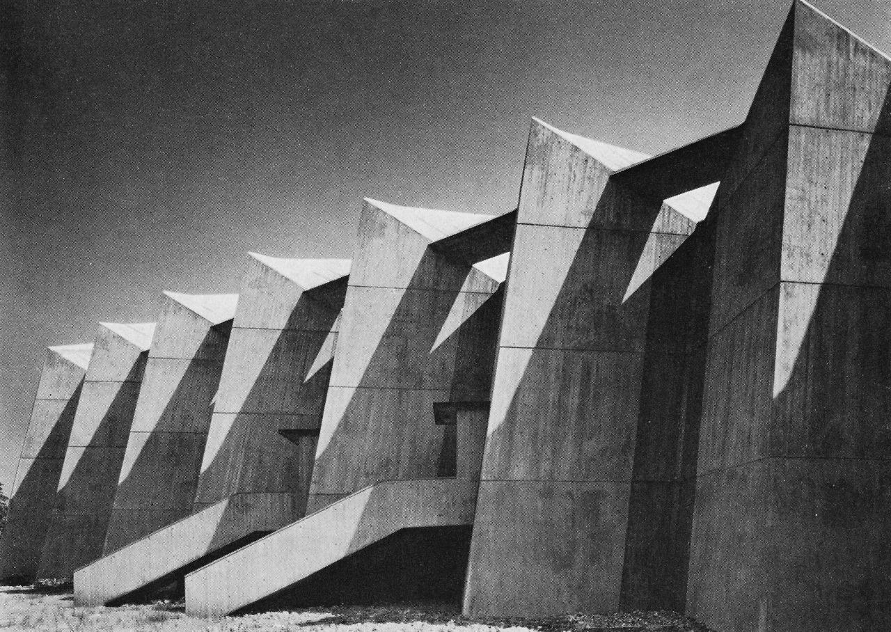 Villes et constructions utopiques urbanisme codurable et for Architecture 1960